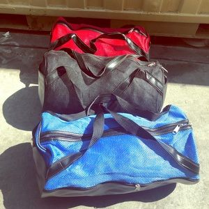 Handbags - 3 different colors duffel bags or gyms bag 🎁🌹